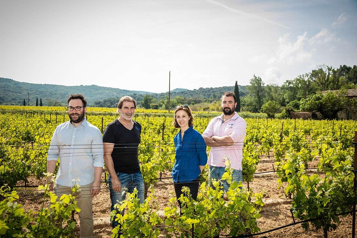 Les Vins de Fontfroide - Équipe dans le Vignoble
